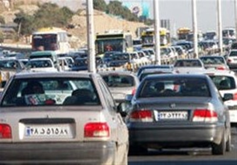 ترافیک در محورهای ورودی و خروجی مشهد مقدس سنگین است,