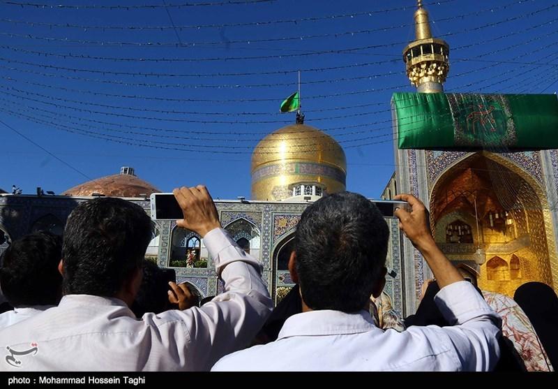 ایرانیان با توسل به باب الحوائج به استقبال نوروز 99 میروند + فیلم