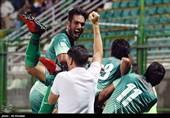دیدار تیم های ذوب آهن و گسترش فولاد تبریز