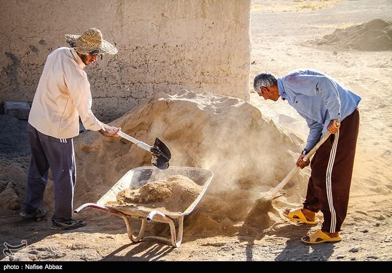 حسین کیانی نیا: خانههای محرومان ایذه مرمت و بازسازی میشود.