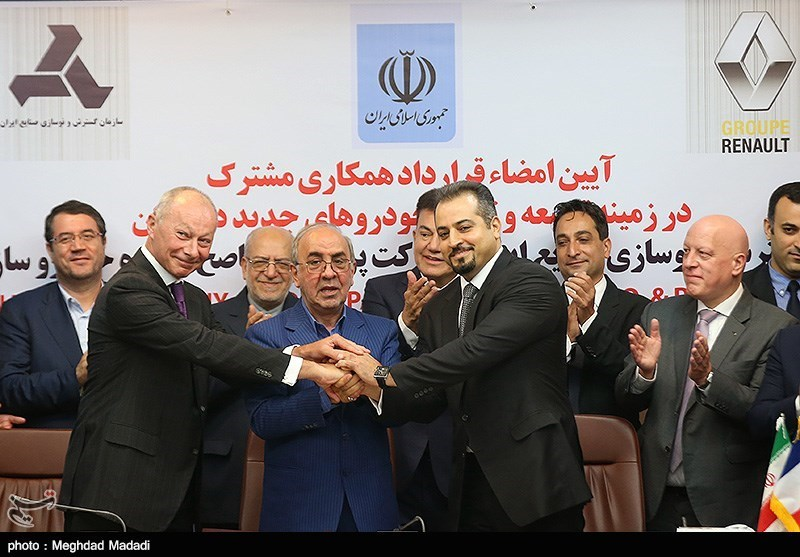 Carmaker Renault Signs 660 Million-Euro Deal With Iran