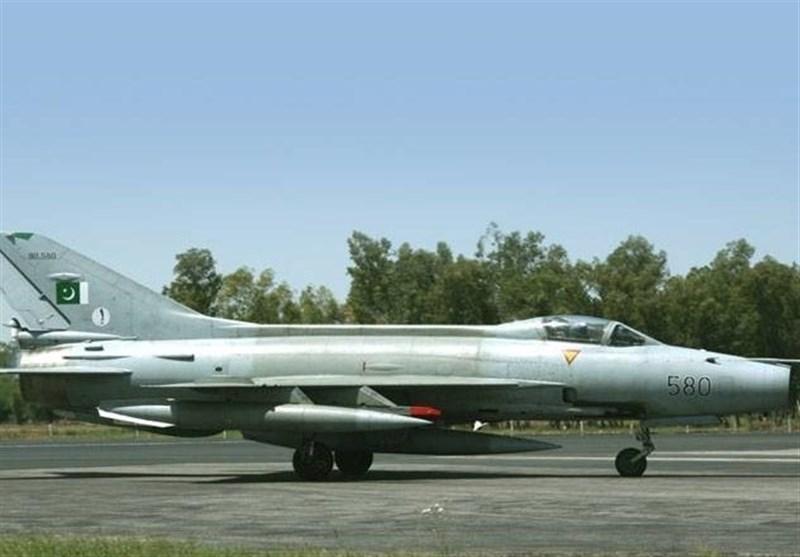 میانوالی میں پاک فضائیہ کا طیارہ گر کر تباہ, پائلٹ جاں بحق