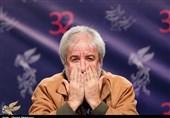 """مسعود کرامتی: مدیران نمیخواهند صندلیشان از دست برود/ مقصِّر بالا رفتن دستمزد بازیگران، تلویزیون است/ ماجرای حمله به """"خانه ما"""" چه بود؟ + فیلم"""