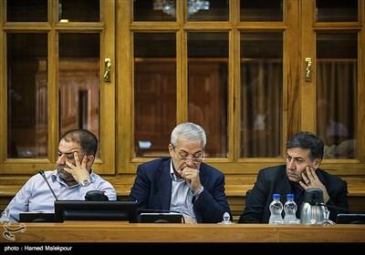 محمد سالاری، محمود میرلوحی و مجید فراهانی در جلسه منتخبین پنجمین دوره شورای شهر برای انتخاب شهردار تهران