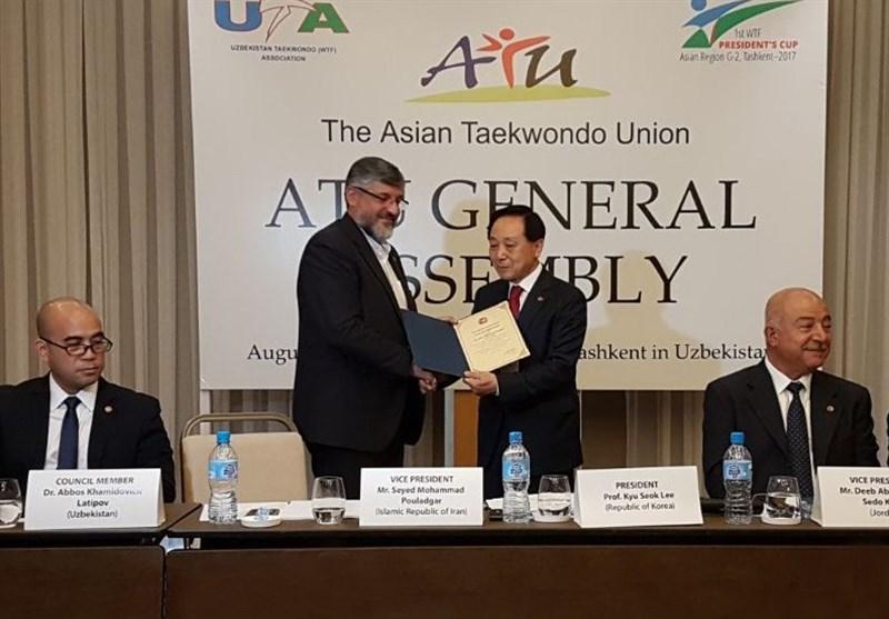 اهدای حکم نایب رئیسی اتحادیه تکواندوی آسیا به پولادگر