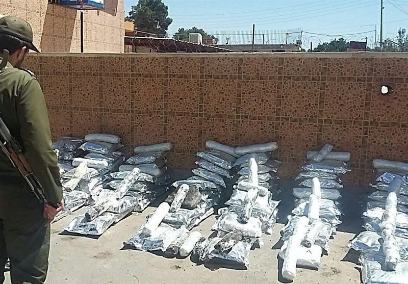 Iranian Police Seize 2 Tons of Illicit Drugs in Central Province