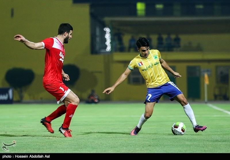 دیدار تیم های نفت آبادان و پدیده مشهد - آبادان