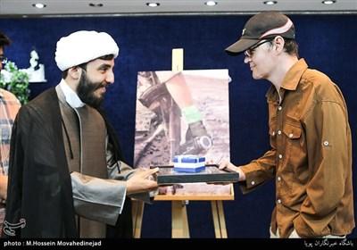 تقدیر از مصطفی احمدی تصویربردار مستند جنگ، دوربین، من