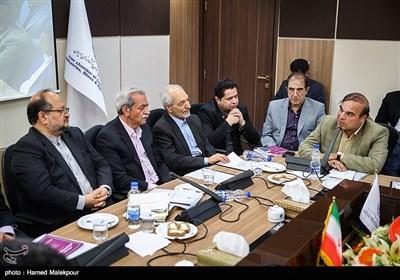 ارائه نظرات اعضای اتاق بازرگانی ایران به محمد شریعتمداری وزیر پیشنهادی صنعت، معدن و تجارت