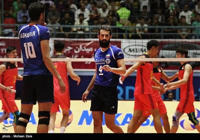 منتخب کرة الطائرة الایرانی یفوز على نظیره الصینی 3-0