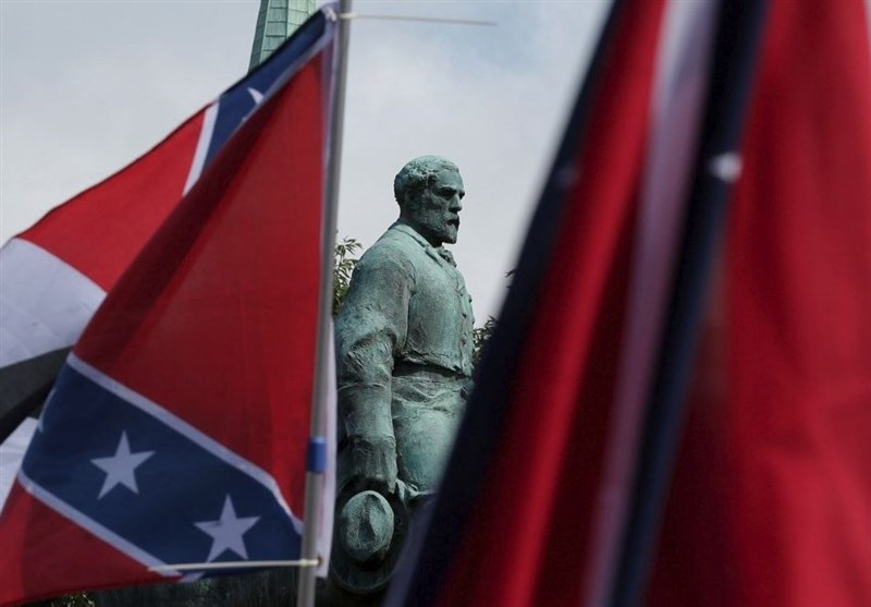 مجسمه و پرچم دروان بردهداری