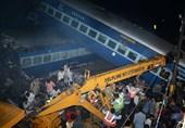 23 کشته و 81 زخمی در خروج قطار از ریل+فیلم و عکس