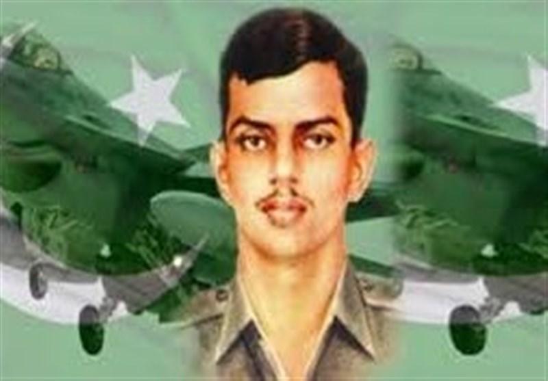 """پاکستانی قوم کے عظیم سپوت """"راشد منہاس"""" کا 46واں یوم شہادت"""