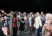 تئاتر، دموکراسی و فرهنگسازی صوری
