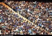 دیدار تیم های فوتبال استقلال و پدیده