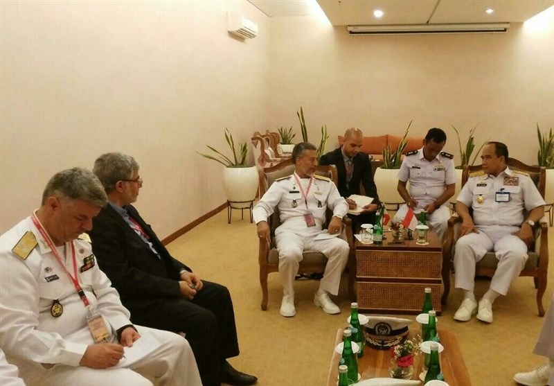 Iranian, Indonesian Navy Commanders Discuss Closer Cooperation