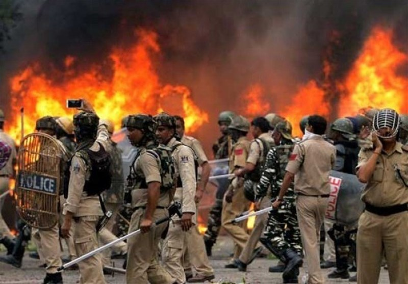 بھارت میں مذہبی رہنما پر فرد جرم کے بعد حالات کشیدہ، 32 افراد ہلاک سینکڑوں زخمی