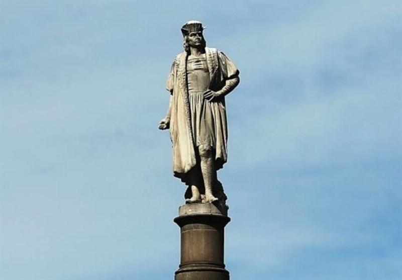 نیویورک قد تزیل تمثال کولومبوس