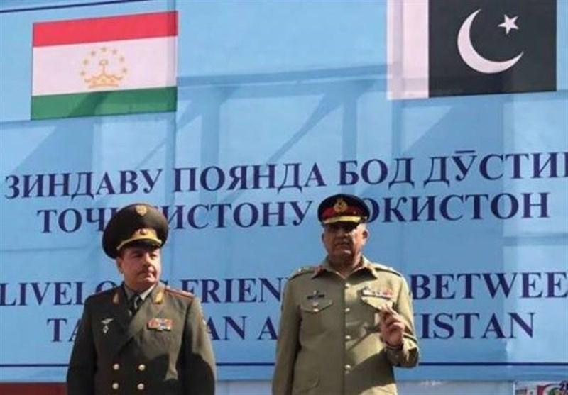 آرمی چیف جنرل قمر جاوید باجوہ 3 روزہ سرکاری دورے پرتاجکستان پہنچ گئ