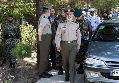 بازدید فرمانده کل ارتش از منطقه پدافندی تهران