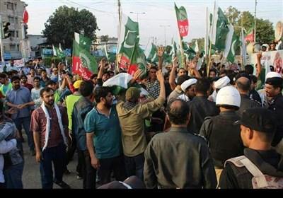 کراچی: امریکہ مخالف ریلی کے شرکاء پر پولیس کا لاٹھی چارج
