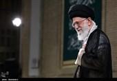 بوسه مقام معظم رهبری برلباس خادمی شهید محمدحسین حدادیان+عکس