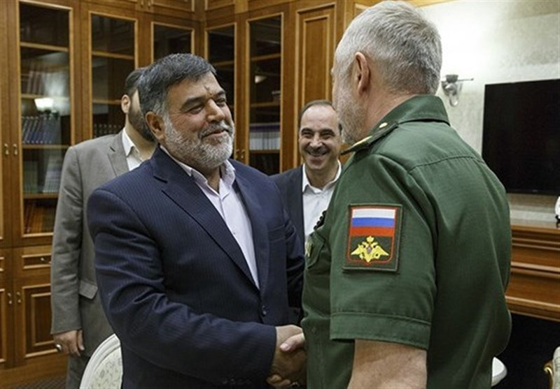 Iranian, Russian Top Generals Discuss Closer Defense Ties