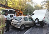 تصادف جرثقیل با 9 خودرو