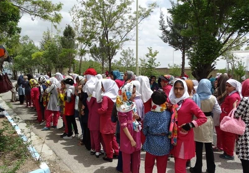 اردوهای دانشآموزان ممنوع نشود اما بخشنامهها بازنگری شود