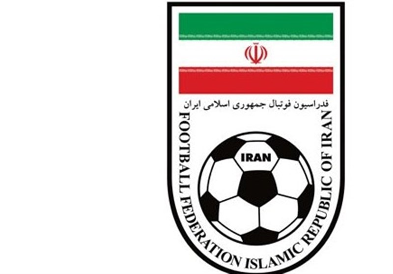 تکذیب منع فعالیت مربیان و بازیکنان خارجی از سوی فدراسیون فوتبال