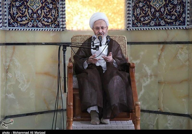 قم| آیتالله سبحانی: رقص دختران در برج میلاد تهران جفا به انقلاب است