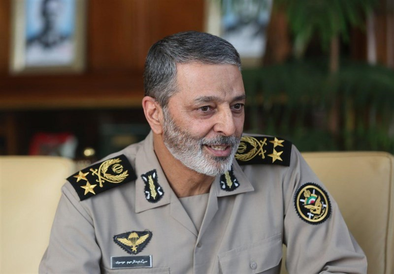 Iran's Army Chief Reaffirms Unity with IRGC