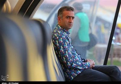 کمالوند: بازیکنانم پول توجیبی ندارند/ مشکلات نفت تهران گریبان ما را گرفته است