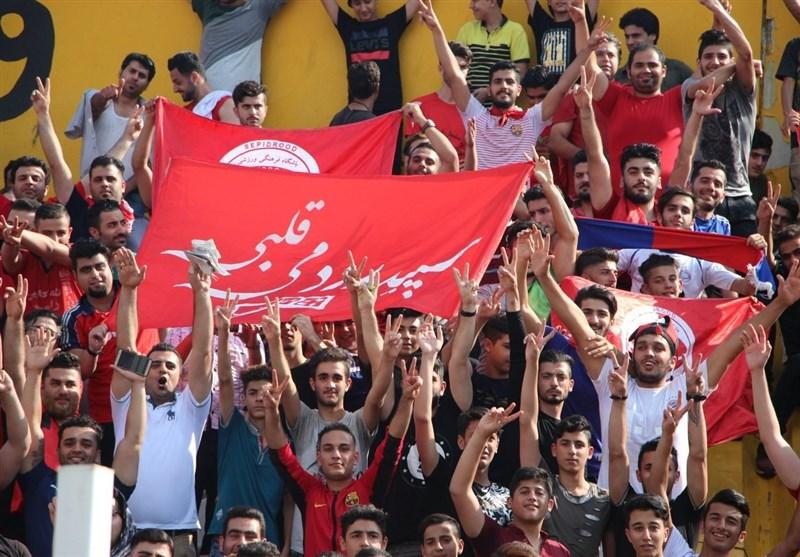 درگیری فیزیکی هواداران با مسئولان بلیتفروشی/ جنب و جوش نظرمحمدی و اعتراض دایی به فغانی