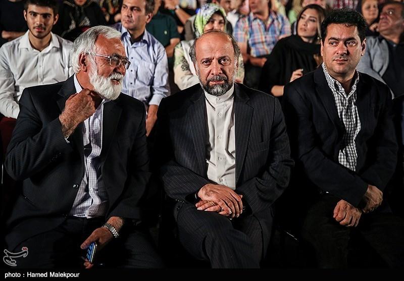 جلیل اکبری صحت، محمدمهدی حیدریان رئیس سازمان سینمایی و غلامرضا موسوی در نوزدهمین جشن سینمای ایران