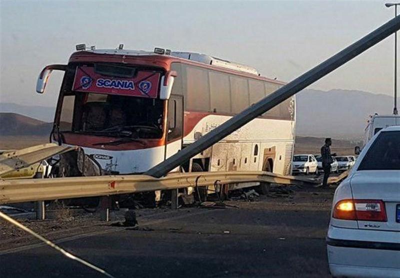 انحراف اتوبوس در قم