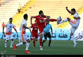 دیدار تیمهای فوتبال پدیده و سایپا - مشهد