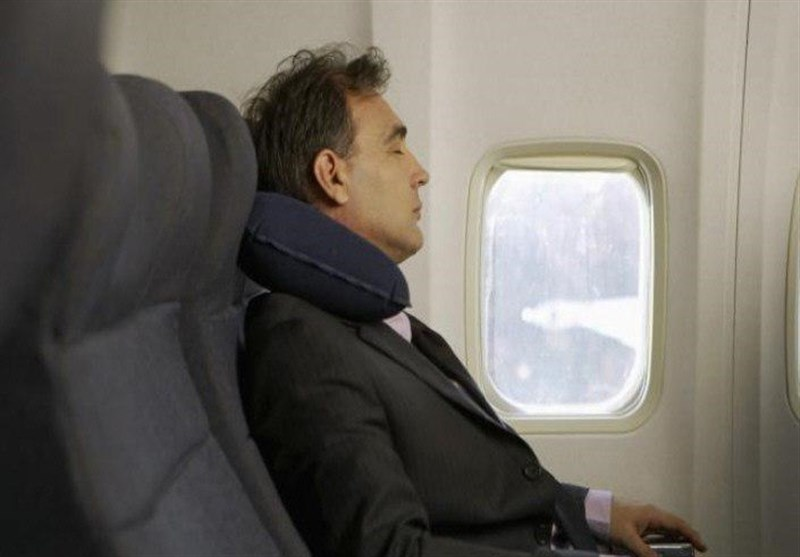تجنبوا النوم أثناء إقلاع وهبوط الطائرة!