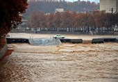 پلهای موقت شهر خرمآباد سبب خسارت سیلاب شد