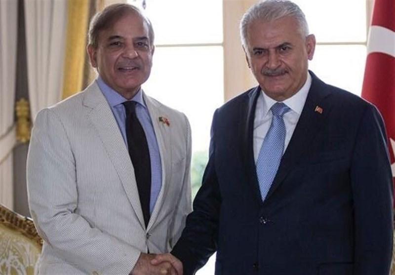 ترک وزیر اعظم: کسی بھی ملک کو پاکستان پر تنقید کرنے کا حق حاصل نہیں