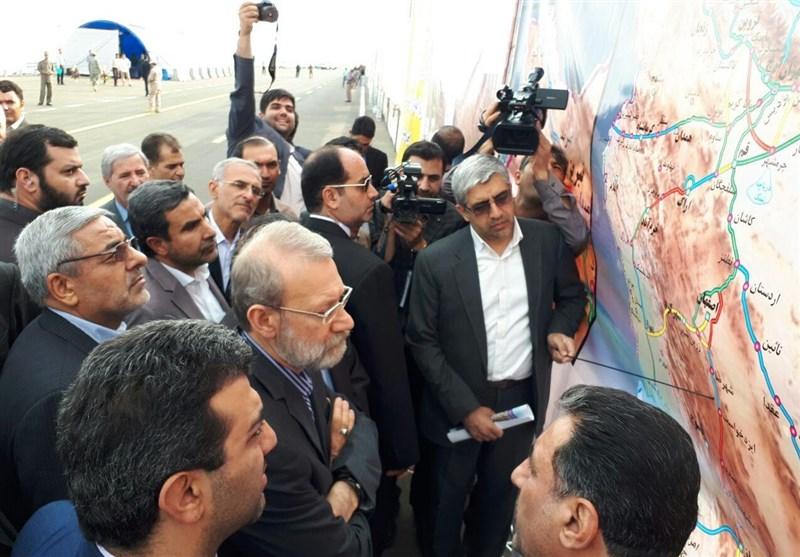 رئیس مجلس از وضعیت بحرانی دریاچه ارومیه بازدید کرد