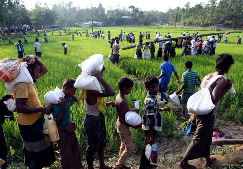 کمکهای ایران در میان مسلمانان میانمار توزیع شد