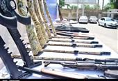 مراسم رونمایی از سلاحهای غیرمجاز کشف شده