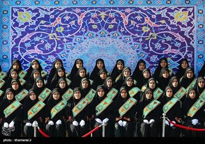 الامام الخامنئی یرعى حفل تخریج طلاب جامعة العلوم العسکریة