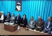 نهادهای انقلابی باید برای رشد و تعالی استانها دست به دست هم دهند