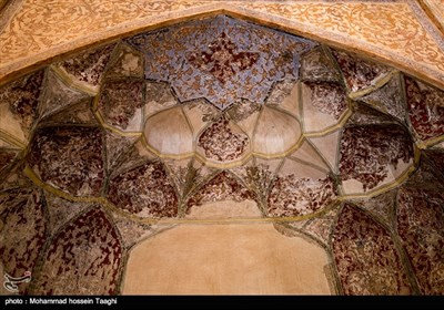 عمارت خورشید که به دستور نادر شاه ساخته شده در وسط باغ بزرگی در کلات قرار دارد