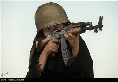 تدریبات عسکریة لکتائب قوات التعبئة النسائیة