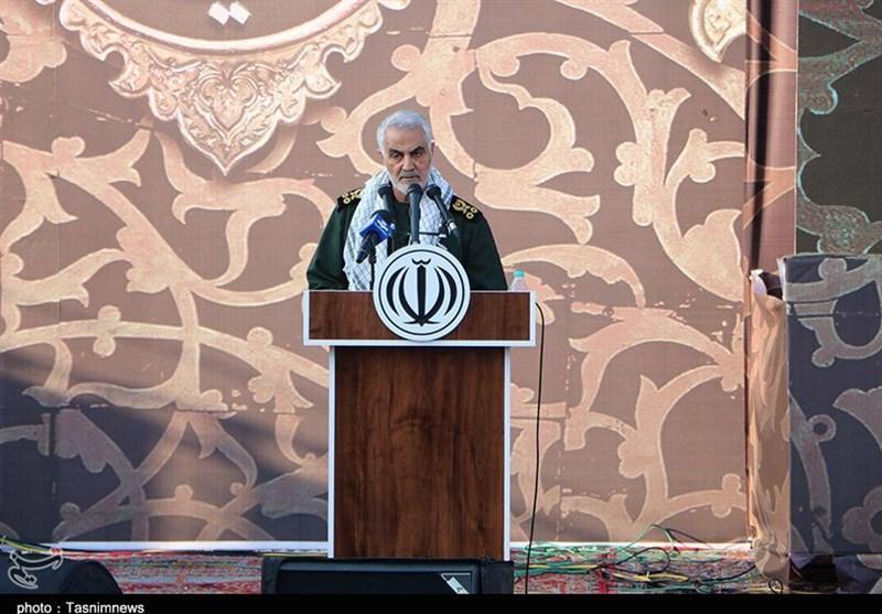 """سرلشکر سلیمانی: همه مدافعان حرم """"داوطلبانه"""" میجنگند/ """"دیپلماسی"""" در برخی موارد جواب نمیدهد/ """"جشن نابودی داعش"""" تا 2 ماه دیگر"""