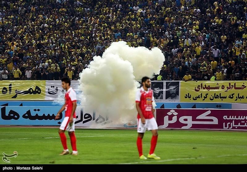 دیدار تیمهای فوتبال سپاهان و پرسپولیس - اصفهان