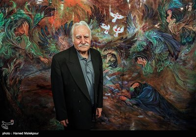 Veteran Iranian Artist Farshchian Honored in Tehran